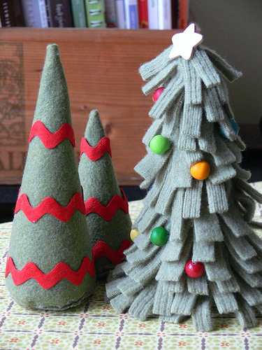 5-diy-felt-tabletop-christmas-trees3 (375x500, 137Kb)