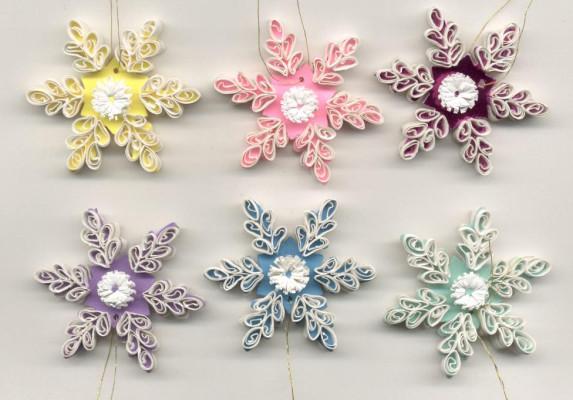 Снежинки своими руками фото квиллинг