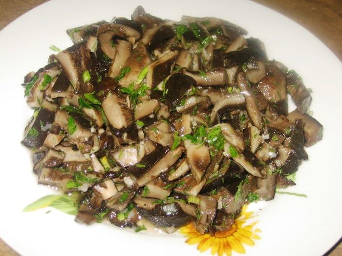 Салат из маринованных груздей рецепты