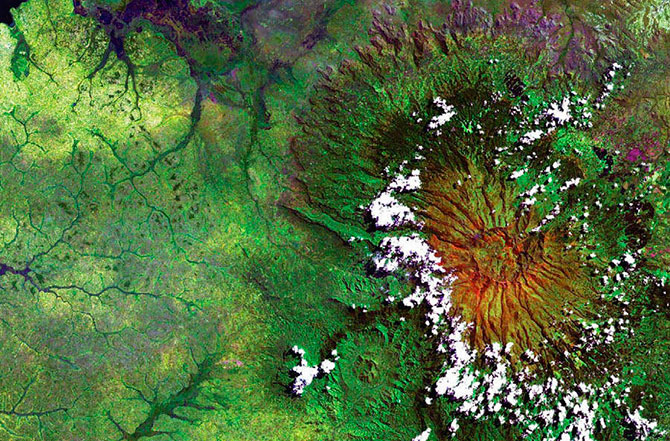 наса фотографии земли из космоса 9 (670x441, 166Kb)