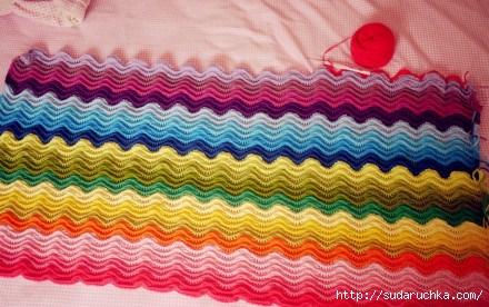 Вязание крючком.  Какое красочное получается полотно с помощью волнообразного безотрывного вязания.