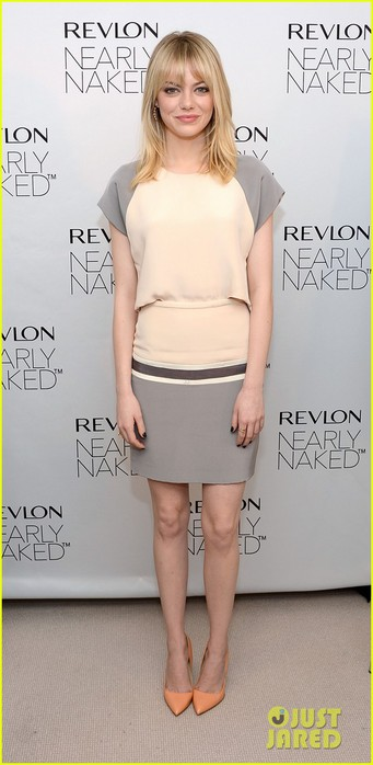 emma-stone-revlons-nearly-naked-makeup-launch-01 (341x700, 59Kb)