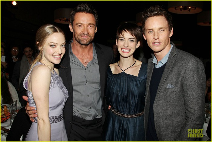 anne-hathaway-amanda-seyfried-les-miserables-new-york-screening-after-party-23 (700x468, 88Kb)