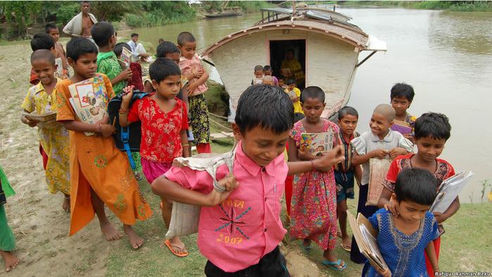 плавучиеш школы бангладеш фото 2 (700x393, 135Kb)