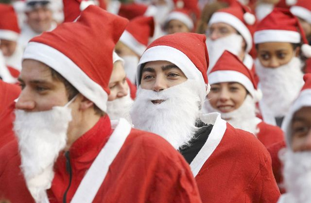 Забег Санта-Клаусов в Лондоне. Фотографии