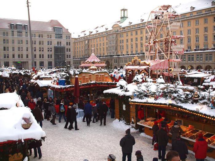 Больная рождественская ёлка Дрездена. 94351