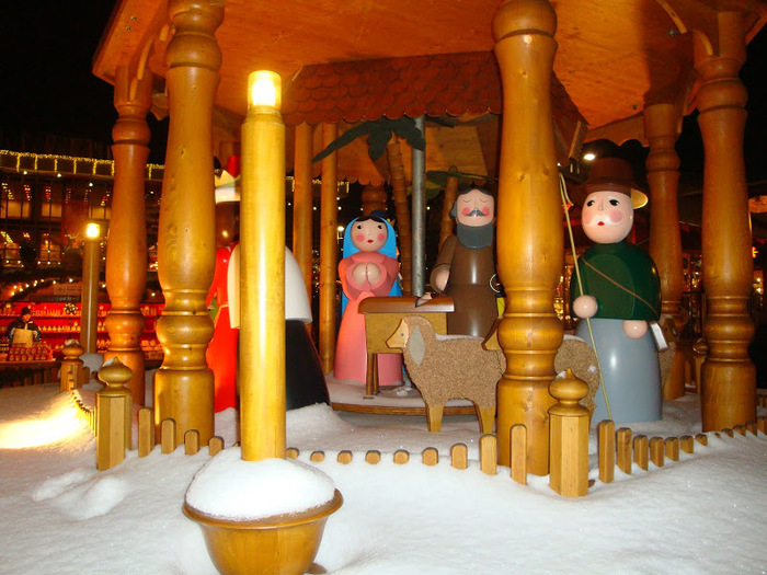 Больная рождественская ёлка Дрездена. 32997