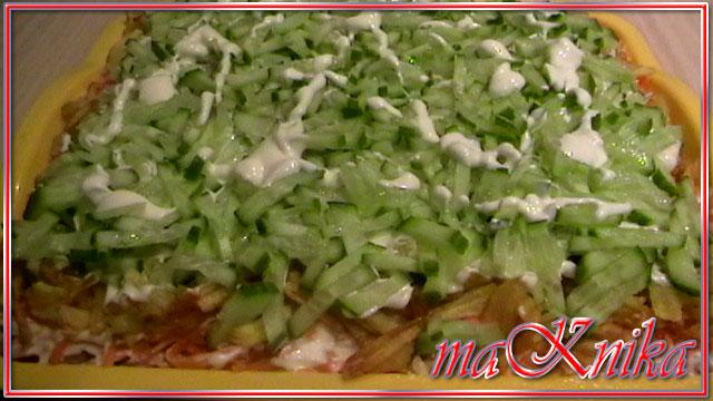 Салат из копченой грудки и картофеля
