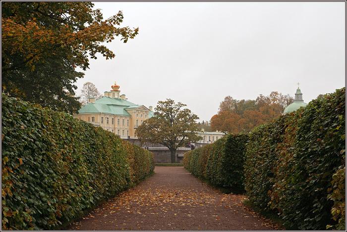 Oranienbaum Lomonosov or park (700x469, 166Kb)
