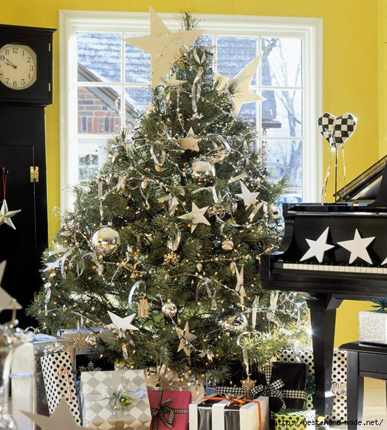 exciting-silver-and-white-christmas-tree-decorations-7 (550x611, 280Kb)