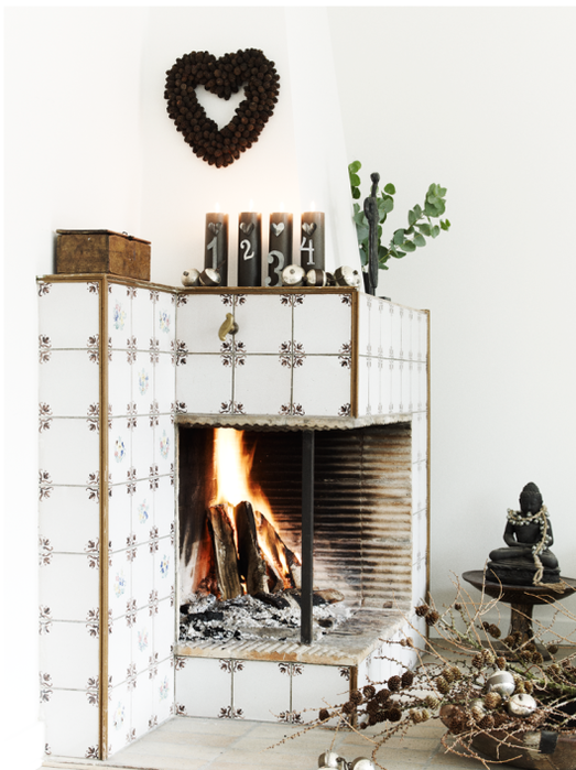 nordic-bliss-scandinavian-style-christmas-fire-place (523x700, 489Kb)