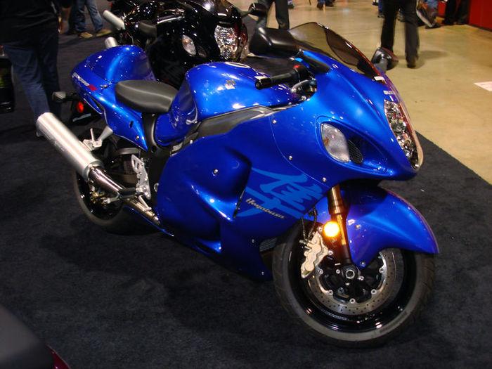 800px-2007SuzukiGSX1300R-001 (700x525, 80Kb)