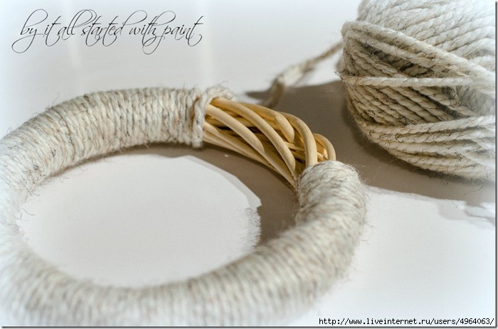 Anthropologie-Tufted-Wool-Wreath-How-To-2_thumb (700x463, 155Kb)