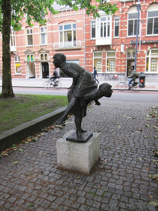 Statue i spomenici posvećene deci 94095721_7