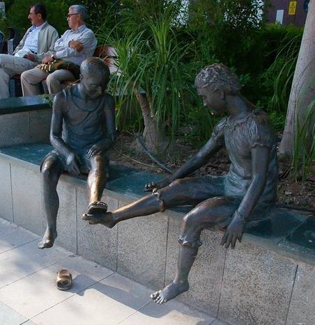 Statue i spomenici posvećene deci 94095725_large_9