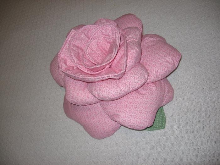Almofada de amamentar e Almofada flor   (Arthur e Beatriz) 001 (700x525, 277Kb)
