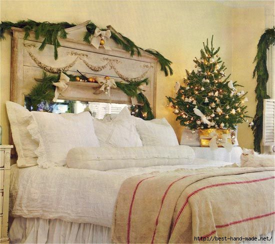 bedroom-interior-with-christmas-tree-decorations (550x487, 145Kb)