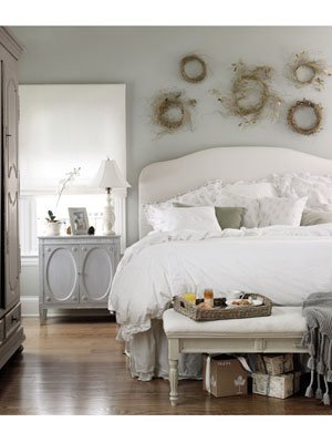 dreaming-white-christmas-bedroom-1210-mdn (300x400, 41Kb)