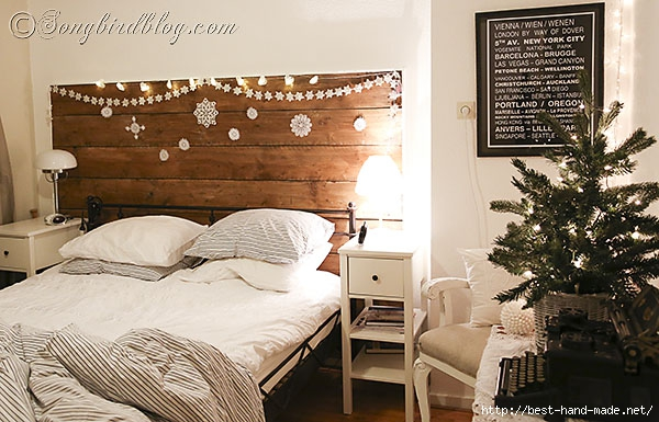 Christmas-decorating-in-the-bedroom-via-Songbirdblog-4 (600x385, 189Kb)