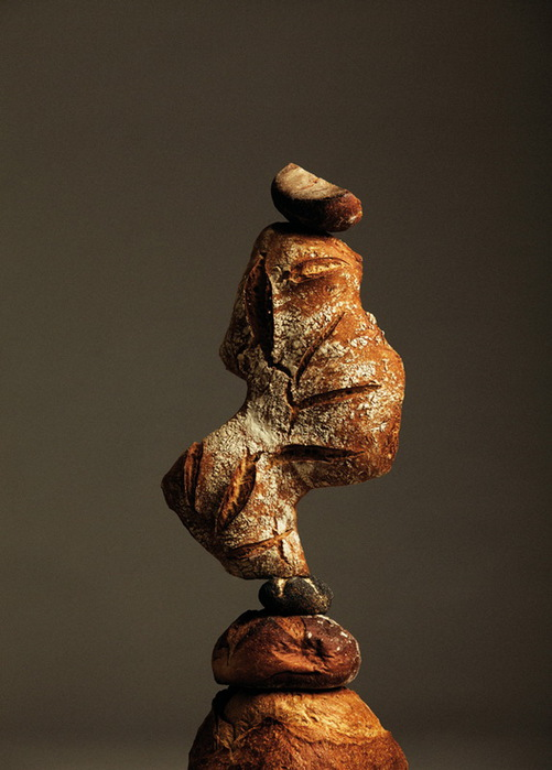 балансирующий хлеб креативный дизайн фото (501x700, 87Kb)
