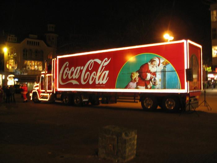 Coca-cola_truck (700x525, 83Kb)