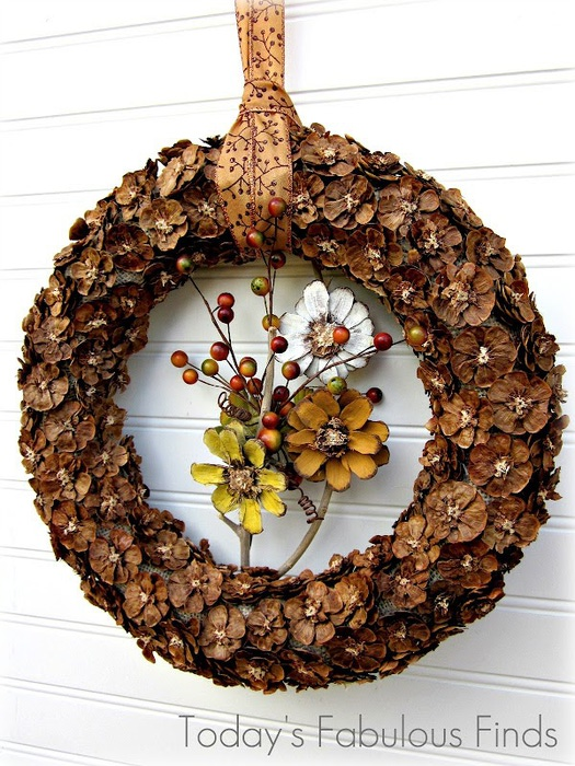 92056428_Fall_Pine_Cone_Flower_Wreath_5991r (525x700, 161Kb)