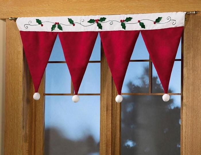 Santa-Hat-Curtain-Idea-800x616 (700x539, 89Kb)