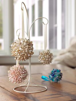 CI-Susan-Teare_Christmas-Ornaments-Made-From-Beads_s3x4_al (266x354, 17Kb)