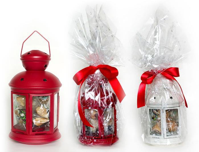 Подарок-Новогодний-фонарь.-Красный-или-белый-фонарь-со-свечой-и-9-печеньями (700x532, 110Kb)