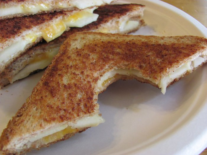бутерброды с сыром и яблоками (700x525, 70Kb)