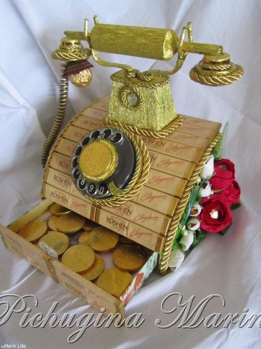 Телефон из конфет своими руками 75