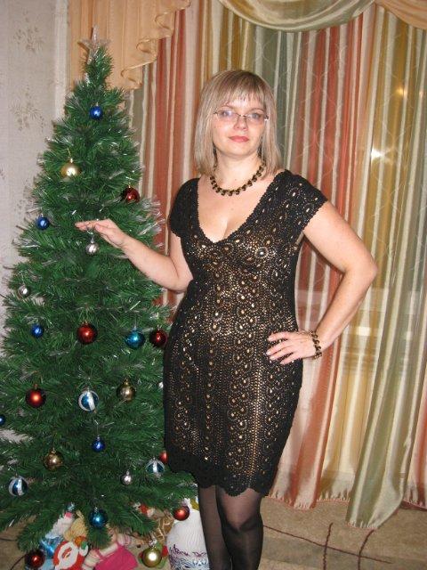 Платье ленточным кружевом.