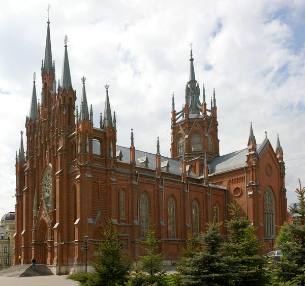 В Москве в кафедральном католическом соборе на Малой Грузинской улице в 19 часов началась служба Навечерия.