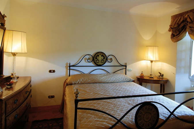 4497432_italiantraditionalbedroomsdetails12 (675x450, 73Kb)