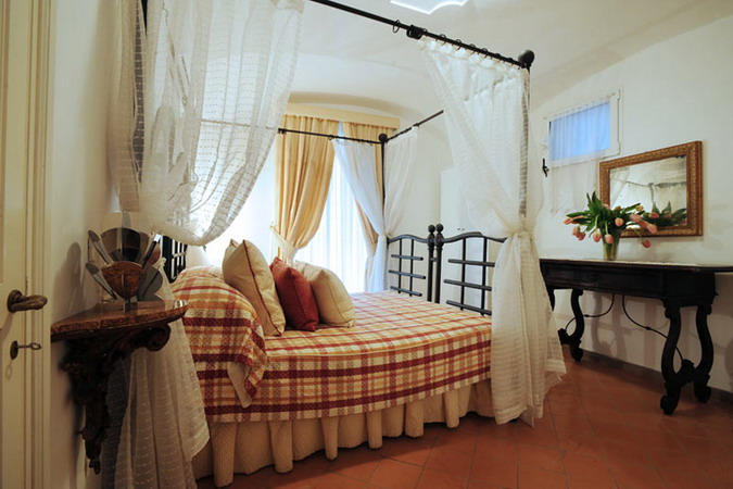 4497432_italiantraditionalbedroomsdetails23 (675x450, 84Kb)
