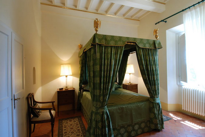 4497432_italiantraditionalbedroomsdetails29 (675x450, 73Kb)