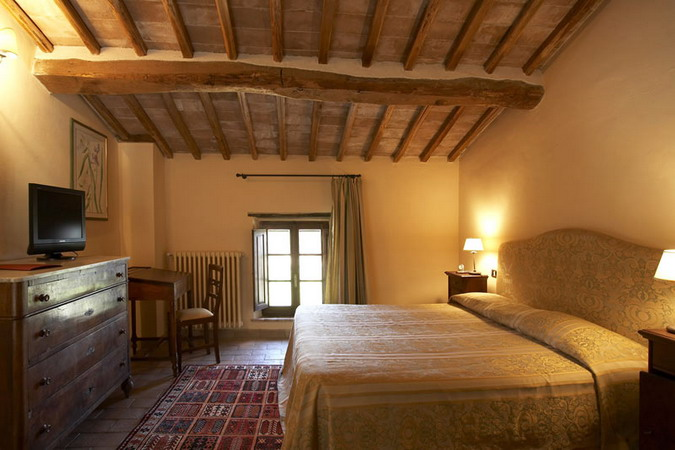 4497432_italiantraditionalbedroomscolor13 (675x450, 80Kb)