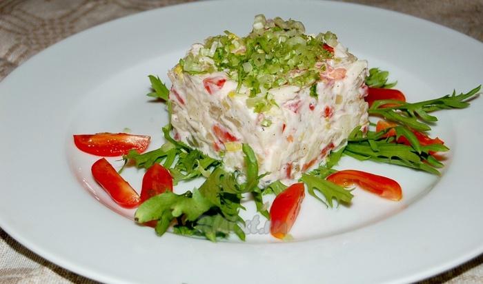 Салаты из отварной красной рыбы рецепты