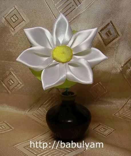 Роза из атласных лент своими руками пошаговая