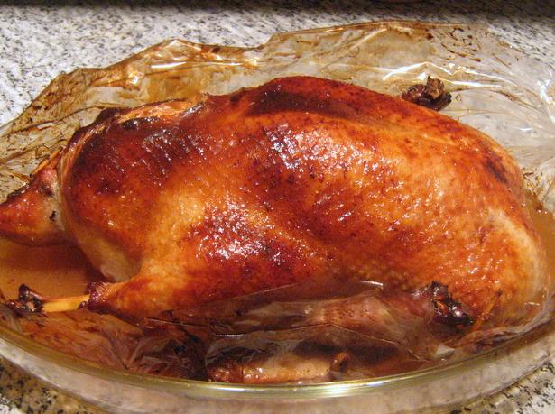 Утка фаршированная айвой в духовке рецепт с фото