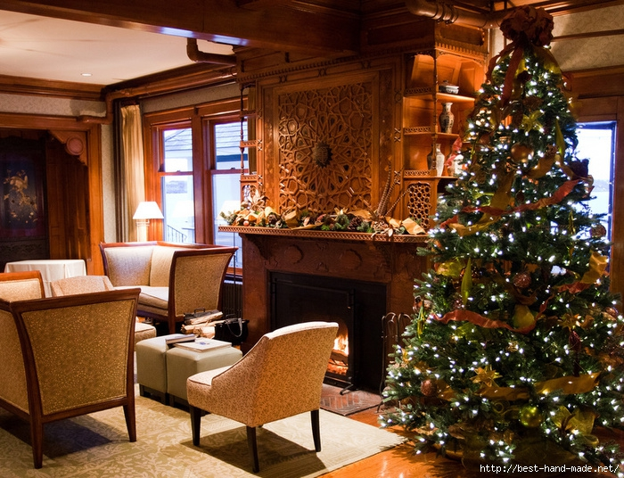 Elegant-living-room-with-beautiful-Christmas-tree (700x536, 378Kb)