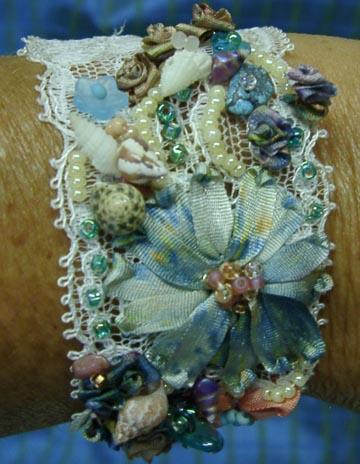 Lace bracelet sea theme close2 (360x464, 61Kb)