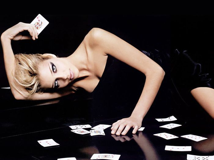 poker-girl (700x525, 39Kb)