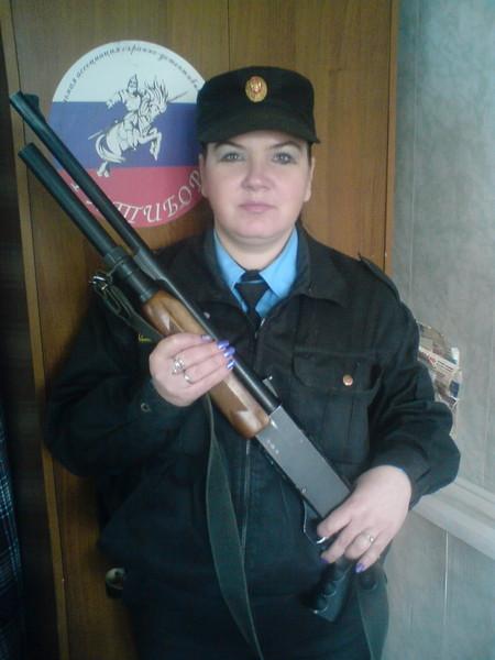 Человек с ружьём (450x600, 61Kb)