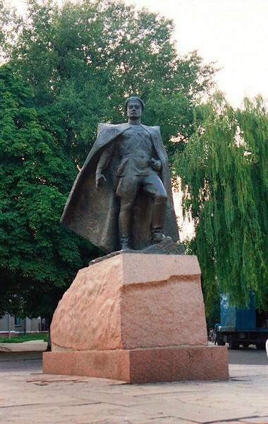 Резные памятники Россошь памятники под заказ Корсаков