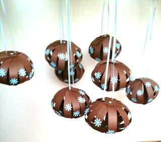 DELFI foto Фото Новогодние игрушки своими руками: бумажные шары на елку
