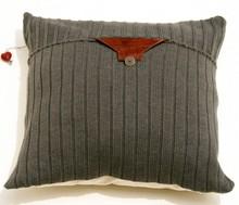 Подушки из свитеров (2) (220x189, 11Kb)