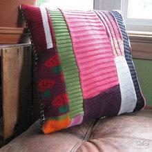 Подушки из свитеров (6) (220x220, 16Kb)