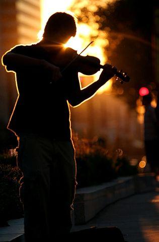 Играла скрипка (316x480, 17Kb)