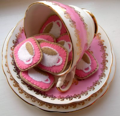 Tea cup pin (400x387, 35Kb)